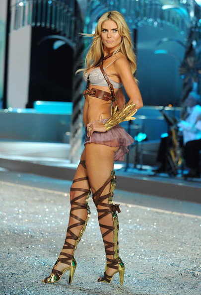 victoria s secret fashion show 2008 in this photo heidi klum victoria