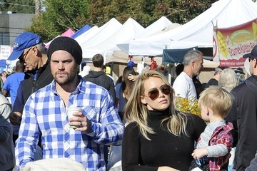 Hilary Duff Mike Comrie Hilary Duff Goes to the Farmers Market