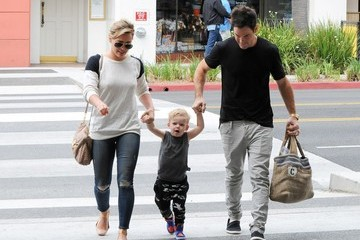 Hilary Duff Mike Comrie Hialry Duff Has a Family Day