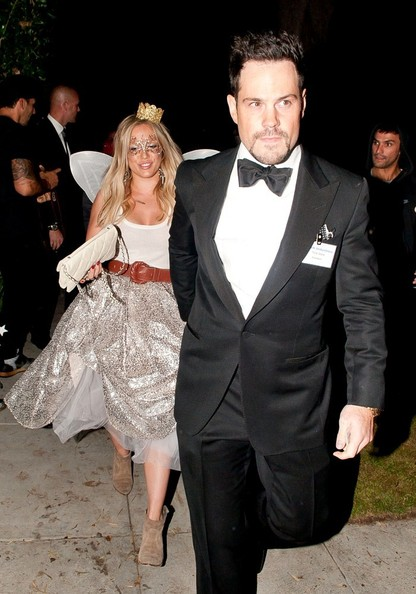 Hilary Duff and Mike Comrie - Celebrities in Halloween Costumes ...