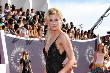 Ireland Baldwin Arrivals at the MTV Video Music Awards