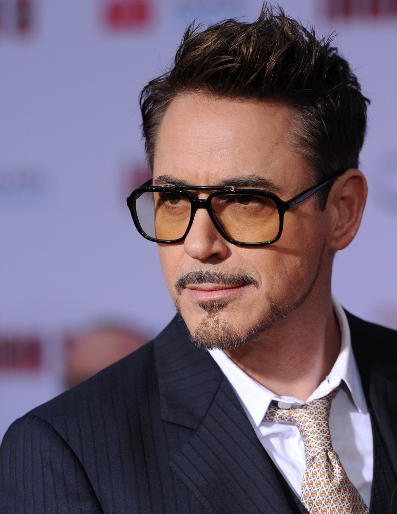 Astonishing Robert Downey Jr Robert Downey Jr Photos Arrivals At The Natural Hairstyles Runnerswayorg