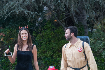 Jamie Mazur Alessandra Ambrosio Goes Trick-or-Treating