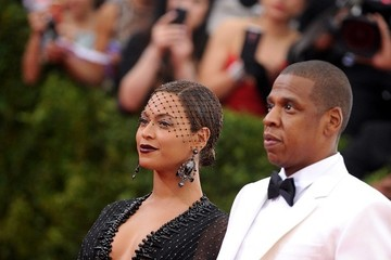 Jay-Z Beyonce Knowles Red Carpet Arrivals at the Met Gala — Part 2