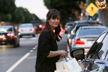 Jennifer Garner Jennifer Garner Goes Christmas Shopping