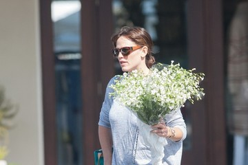 Jennifer Garner Jennifer Garner Goes to the Farmer's Market