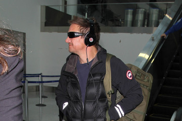 Jeremy Renner Jeremy Renner Is Seen at LAX