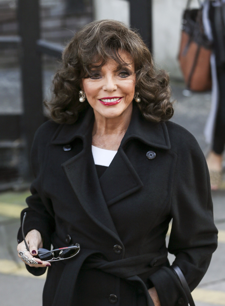 Joan Collins Photos Photos Joan Collins Visits ITV