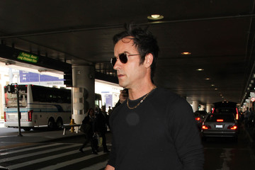 Justin Theroux Justin Theroux Is Seen at LAX