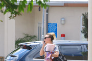Kaley Cuoco Leaves the Gym