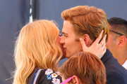 Kate Bosworth and Hayden Christensen Visit the Set of 'Extra'