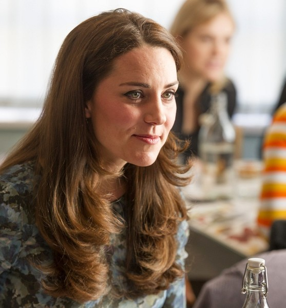 Kate Middleton - Kate Middleton Attends a Coffee Morning