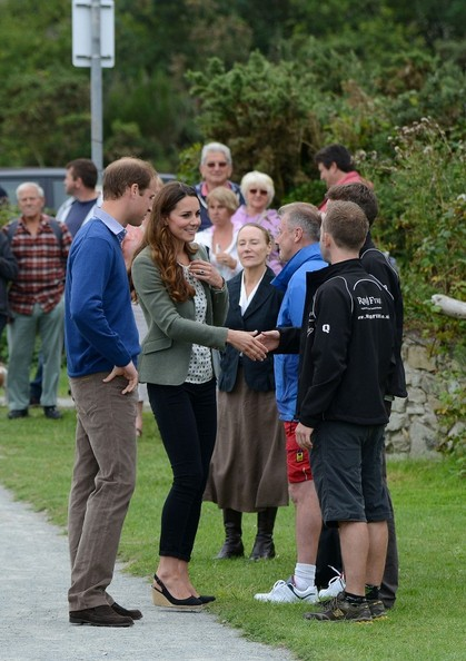 Kate Middleton - Kate Middleton and Prince George Visit Anglesey