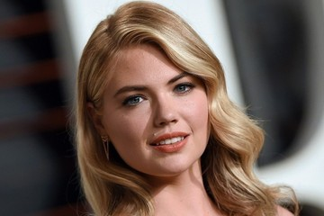 Kate Upton Stars at the Vanity Fair Oscar Party