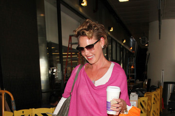 Katherine Heigl Katherine Heigl Arrives at LAX