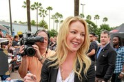 Katherine Heigl Visits the 'Extra' Set