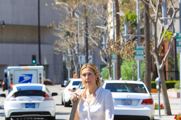 Kelly Rutherford Kelly Rutherford Steps Out in Beverly Hills