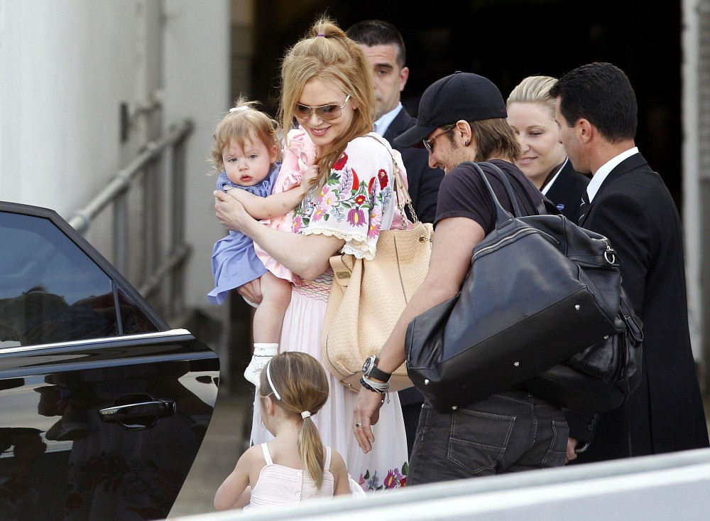 Nicole Kidman Photos Photos Nicole Kidman And Family Out