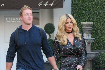 Kim Zolciak Kim Zolciak Visits Epione Cosmetic Surgery