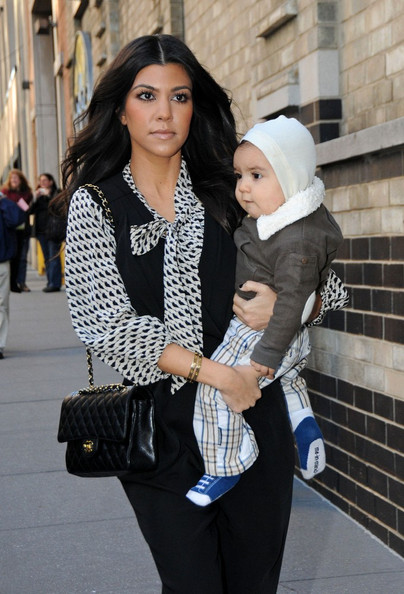 http://www4.pictures.zimbio.com/bg/Kourtney+brings+Mason+to+work+qjuDW0epb95l.jpg