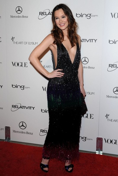 http://www4.pictures.zimbio.com/bg/Leighton+Meester+Art+Elysium+4rd+Annual+Gala+B30aoh_SqYSl.jpg