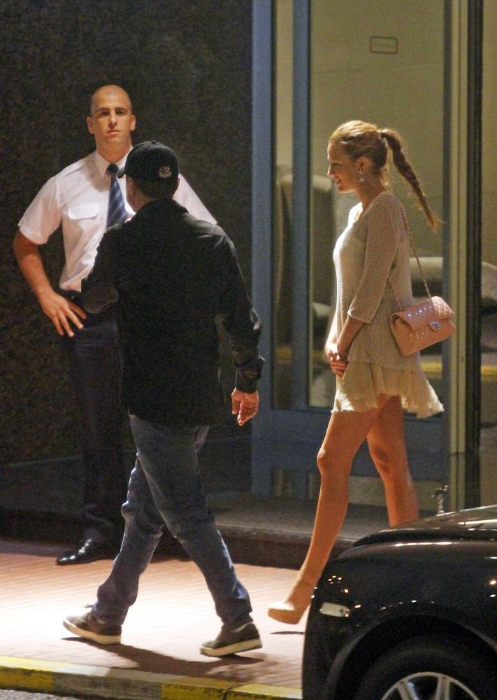 Blake Lively and Leonardo DiCaprio Photos Photos ...