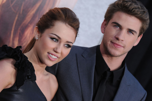 the last song premiere in this photo miley cyrus liam hemsworth los ...