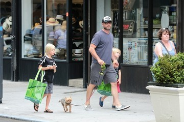Liev Schreiber Liev Schreiber Steps out With Sons Alexander and Samuel