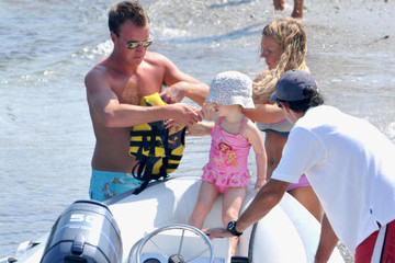 Bluebell Madonna Halliwell Geri Halliwell and Family at the Beach