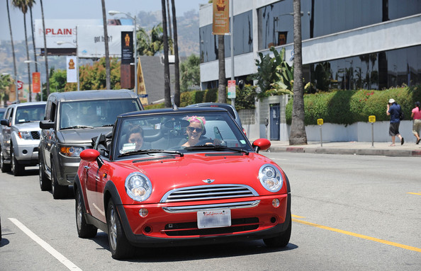 Stars and Their Cars: 64 Celebrities and Their Rides []