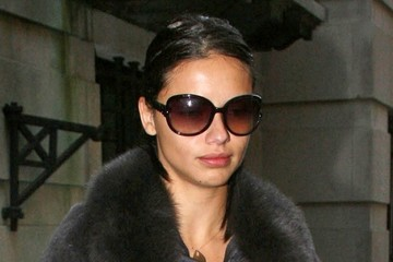 Adriana Lima Adriana Lima Leaves a Doctor's Office