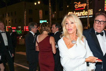 Linda Thompson Linda Thompson Outside Dolby Theatre In Hollywood