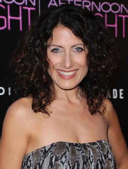 lisa edelstein dating House of hugs: laurie and edelstein chat on the beach while filming the hit   life's a twirl: laurie swings his trademark cane as he and edelstein soak up the  sun  + foundation benefit with john legend parents went out for a date night   lisa vanderpump defends rhobh co-star dorit kemsley amid.