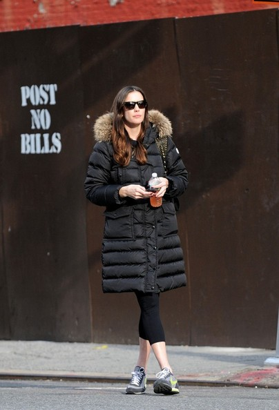 Liv Tyler Liv Tyler tries to hail a taxi in Soho.