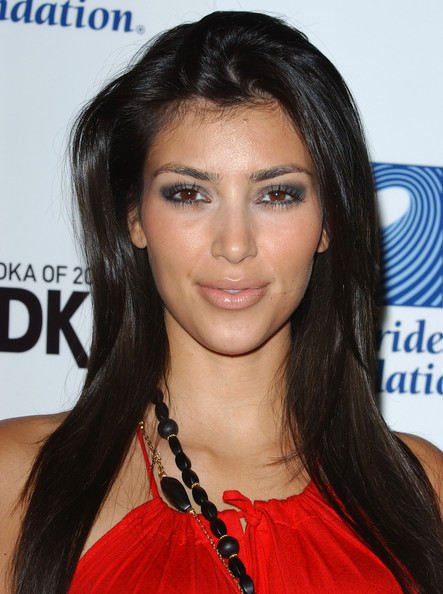 Kim Kardashian The Living Room's 3rd Annual Evening Extravaganza benefiting Surfrider Foundation.The Living Room Salon and Art Gallery, Costa Mesa, CA.August 6, 2006.