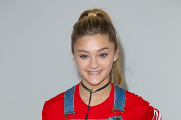 Lizzy Greene Celebrity Sightings Outside Smashbox Studios in Culver City