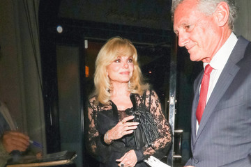 Loni Anderson Loni Anderson Outside Craig's Restaurant In West Hollywood