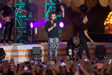 Louis Tomlinson One Diection Performs on 'Jimmy Kimmel Live'