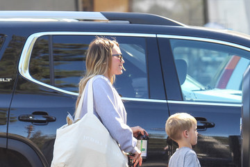 Luca Comrie Hilary Duff Runs Errands With Her Son