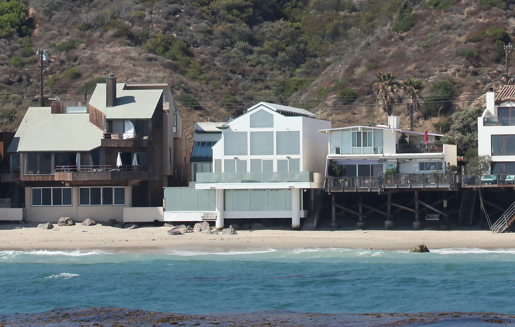 Adam Sandler in Malibu Beach Homes - Zimbio