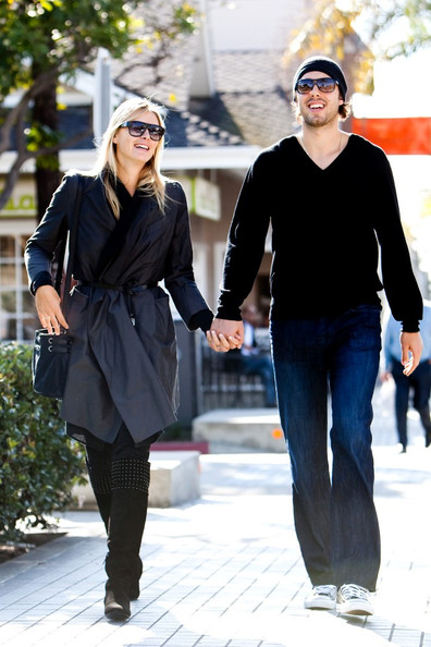 Sasha Vujacic And Maria Sharapova Engagement Ring