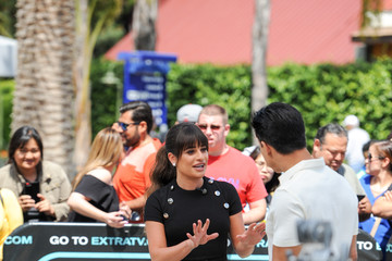 Mario Lopez Lea Michele Waves to Papparazzi