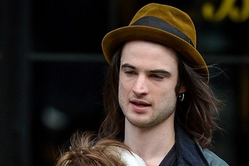 Marlowe Sturridge Tom Sturridge Carries His Daughter