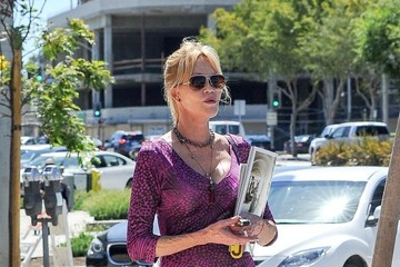 Melanie Griffith Melanie Griffith Runs Errands