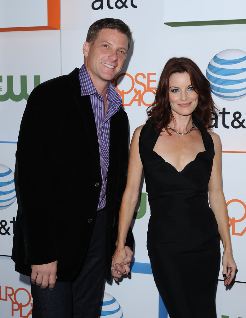 Laura Leighton and Doug Savant Photos Photos - Melrose ... Ashlee Simpson Married