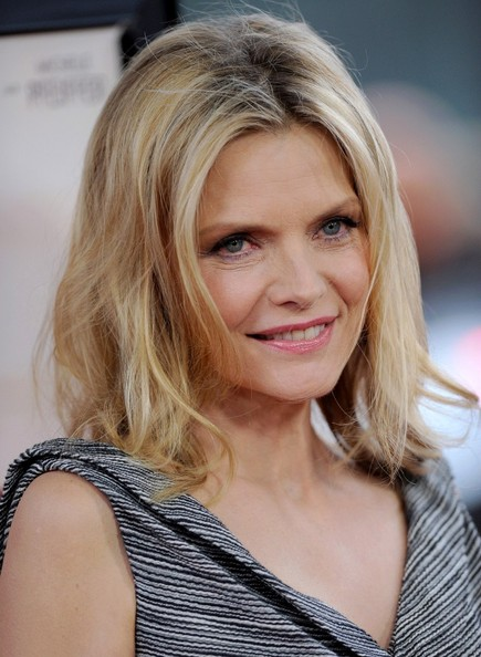 people like us premiere in this photo michelle pfeiffer people like us