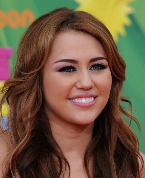 miley cyrus outfits 2011. miley cyrus outfits in hannah