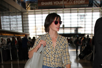 Milla Jovovich Milla Jovovich Arrives at LAX