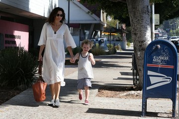Minnie Driver Minnie Driver Takes Henry to Breakfast — Part 2