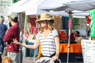Missi Pyle Missi Pyle Goes Shopping At The Farmer's Market In Studio City